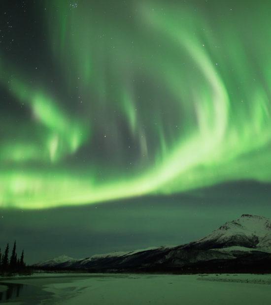 Alaska northern lights photo tour Wiseman Alaska.